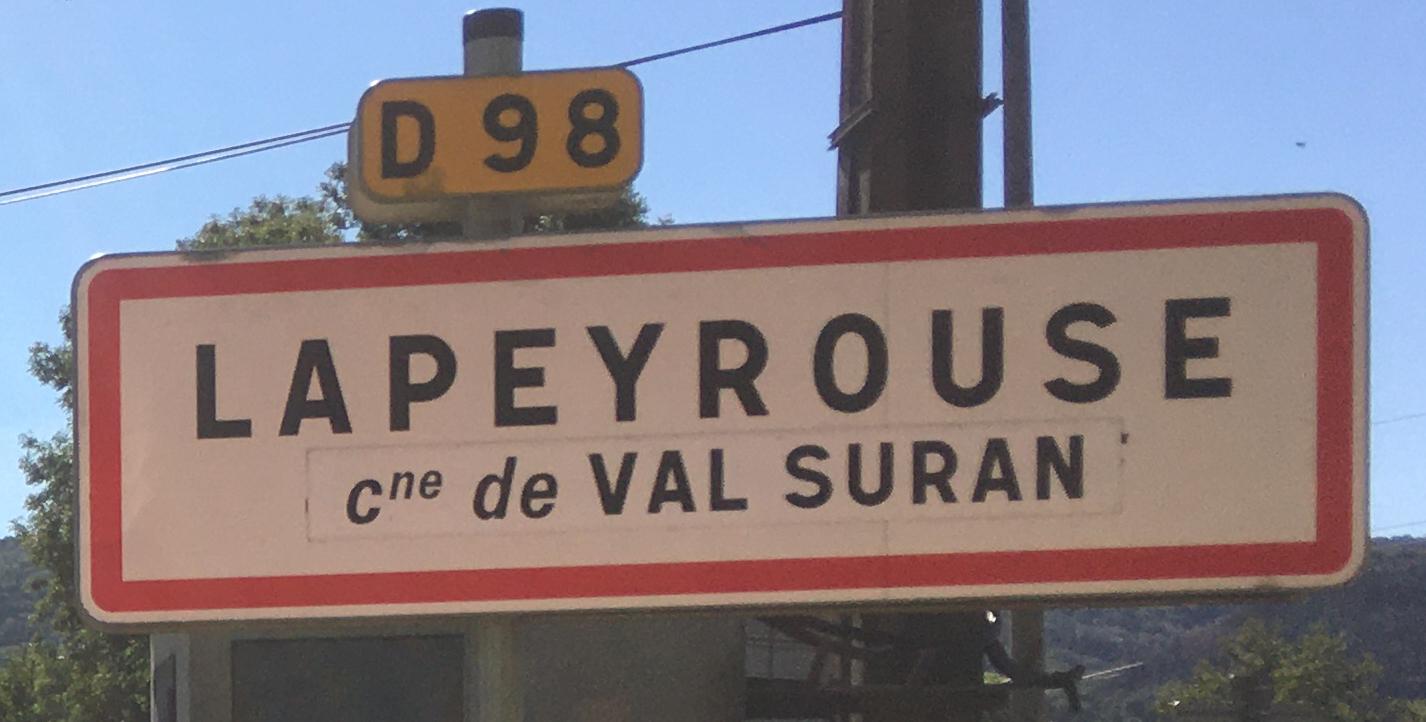 Panneau d'agglomération Lapeyrouse