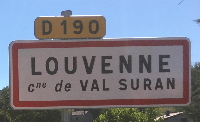 Panneau d'agglomération Louvenne